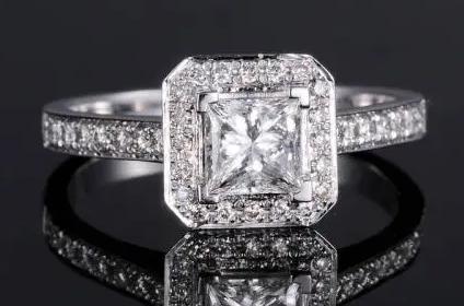 回收钻石造型公主方形钻戒回收能有几折