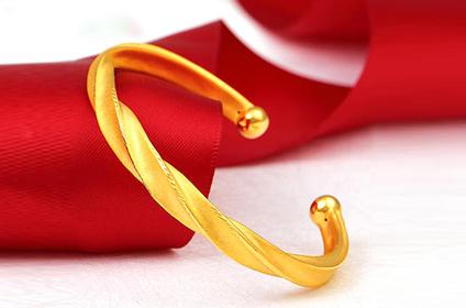 回收品牌的黄金首饰1克有多少钱