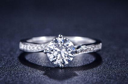 钻石首饰真如传言那样没有黄金保值吗