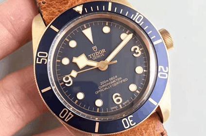 帝舵启承系列小蓝花手表回收几折