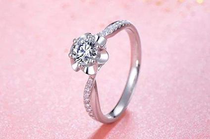 现在怎么专业计算钻石戒指回收价格