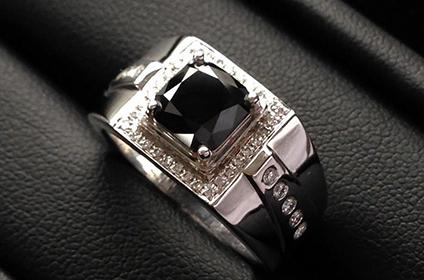 黑色钻石在二手市场好回收吗